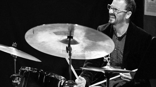 El batería Juanma Barroso reflexiona sobre las escenas de jazz en España y las instituciones formativas.
