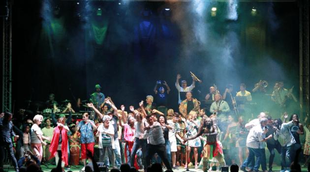 Ximo Tébar presenta A-Free-Kan Jazz Dance big Band.